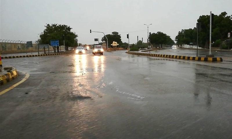 بارش کے باعث کراچی کا موسم خوشگوار ہوگیا —اسکرین گریب