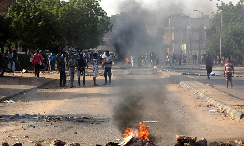 Four students shot dead at Sudan rally ahead of talks