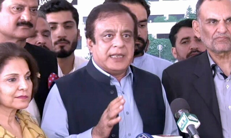 Leader of the House in the Senate Shibli Faraz addressing a press conference in Islamabad on Thursday. — DawnNewsTV