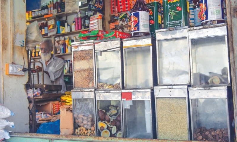 FBR steps up efforts to pull retailers into tax net