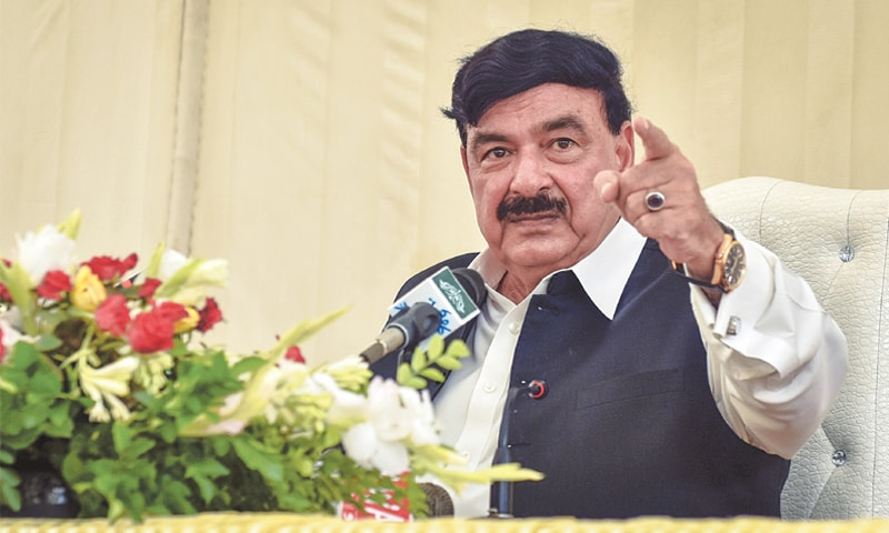 SHEIKH Rasheed makes a point during the press talk on Friday.—Fahim Siddiqi / White Star