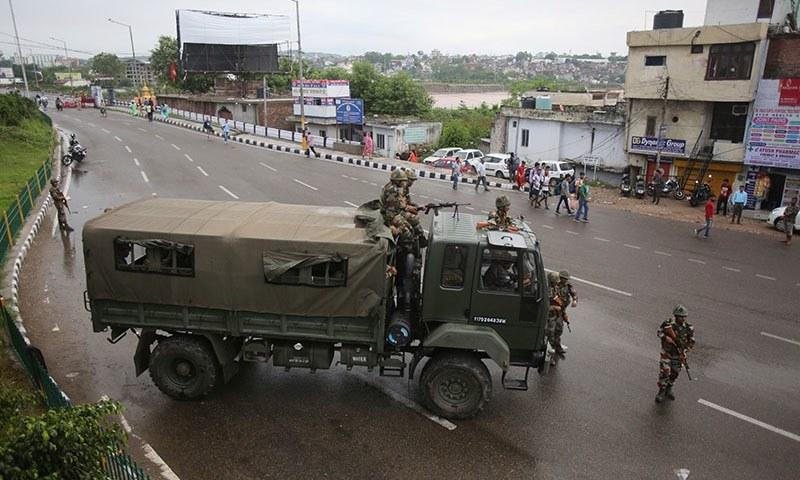 بھارت نے کہا کہ خطے کو دو حصوں میں تقسیم کرنا ان کا داخلی معاملہ ہے— فوٹو: اے ایف پی