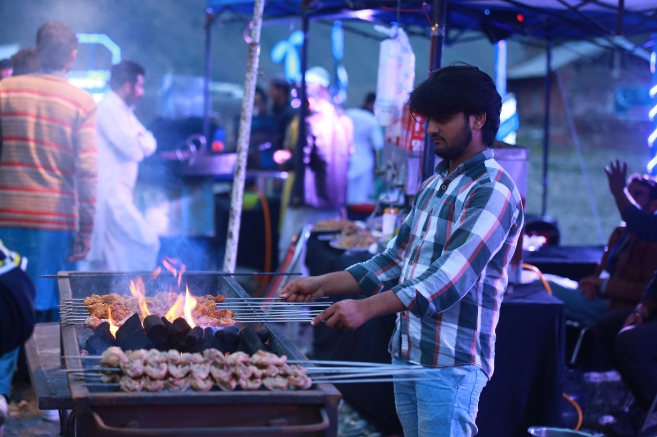 Local food stalls served traditional cuisine of the region.