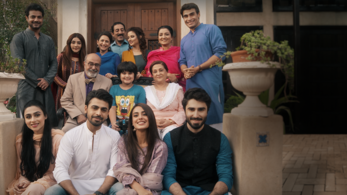 The talented cast of Suno Chanda in one frame