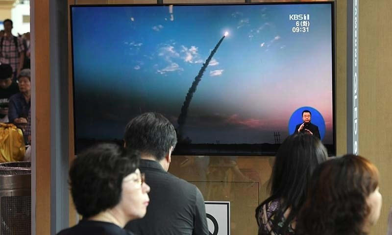 شمالی کوریا نے میزائل کا پانچواں تجربہ بطور احتجاج کیا ہے— فائل فوٹو: اے ایف پی