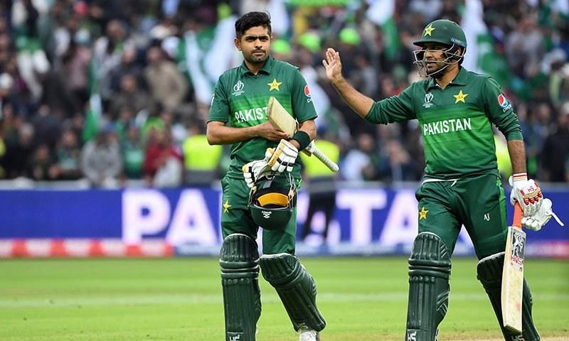 بابراعظم نے کہا کہ قومی ٹیم کے کپتان سرفراز احمد اپنی ذمے داریاں احسن طریقے سے نبھا رہے ہیں— فائل فوٹو: اے ایف پی