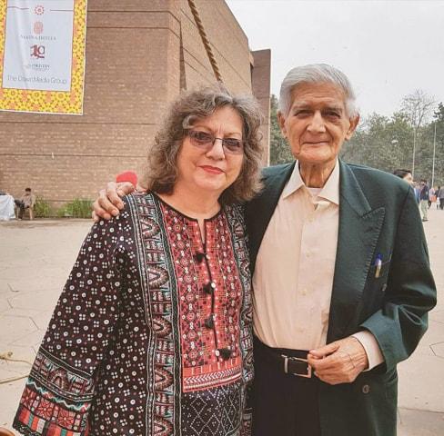 Moneeza Hashmi, daughter of Faiz Ahmed Faiz, with Zafar Ullah Poshni | Photo courtesy Moneeza Hashmi/Adeel Hashmi