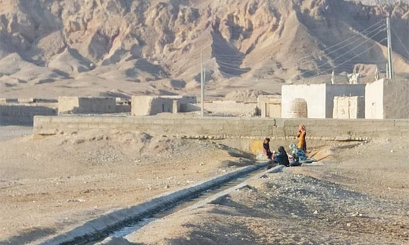 Situationer: Talaap — a town under siege?