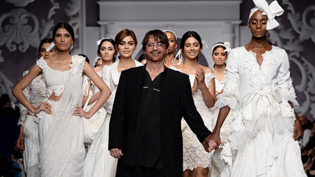 Veteran fashion designer, Rizwan Beyg receives Tamgha-e-Imtiaz