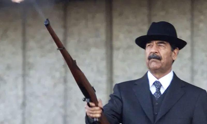 صدام حسین جہاں عراق کے مقبول لیڈر تھے، وہیں ان سے نفرت بھی کی جاتی تھی—فائل فوٹو: رائٹرز