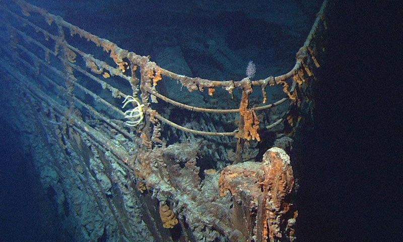 جہاز کے کمروں کے اندر پلاسٹک بھر چکا ہے، ماہرین—فوٹو: ٹائی ٹینک پروڈکشن