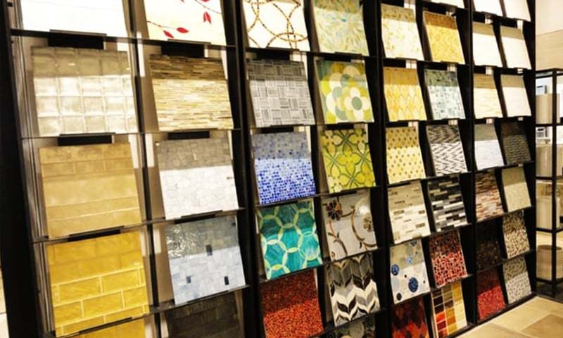 Local manufacturers claim that Iranian tiles continue to enter local markets through illegal channels.