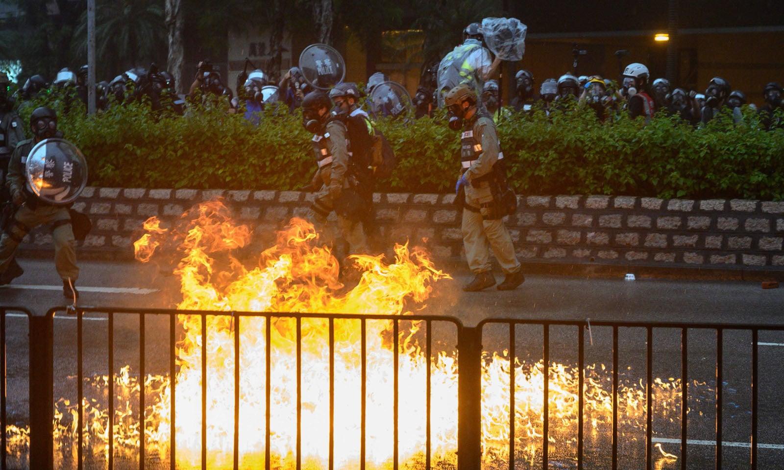چین نے ہانگ کانگ میں ہنگامہ آرائی اور مظاہروں کا ذمہ دار امریکا کو قرار دیا ہے—فوٹو: اےایف پی