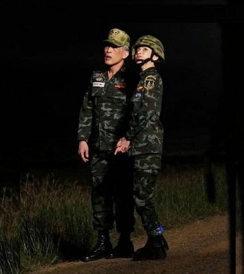 سنینات ونگوجری پکدے بادشاہ کے محافظی دستے میں شامل رہی ہیں —فوٹو:پی بی ایس تھائی لینڈ