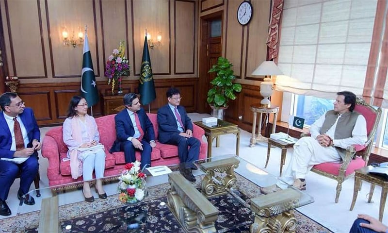 Prime Minister of Pakistan Imran Khan meets ADB Vice-President Shixin Chen (second from right). — Photo courtesy ADB website