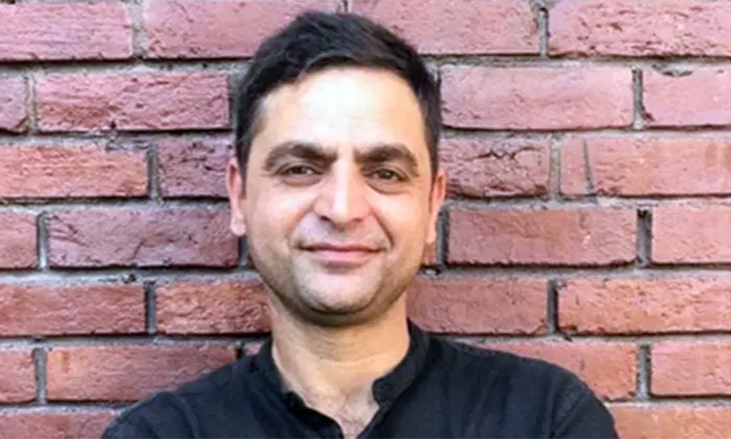 Kashmiri journalist barred by Indian officials from travelling abroad
