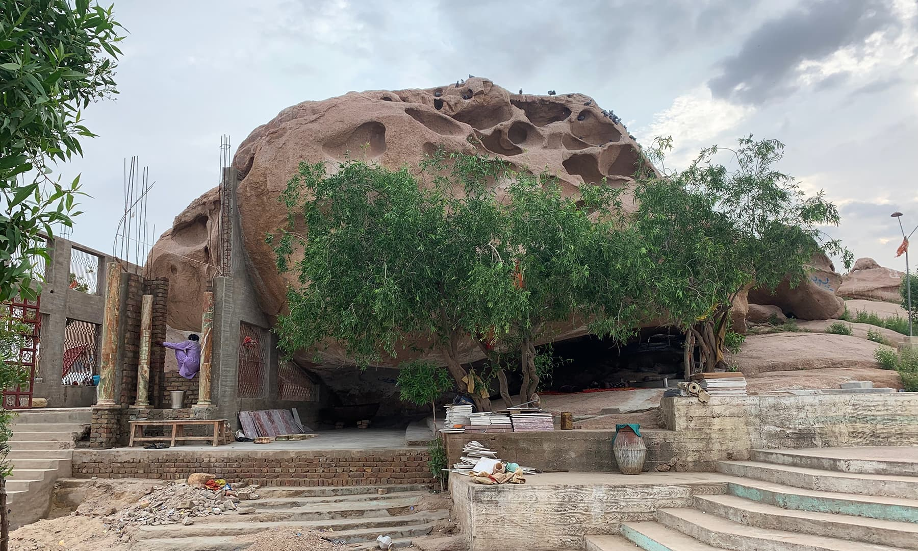 Trees and shrubs grow outside and ancient Hindu temple in Churio area of Nagarparkar. — Photo by author