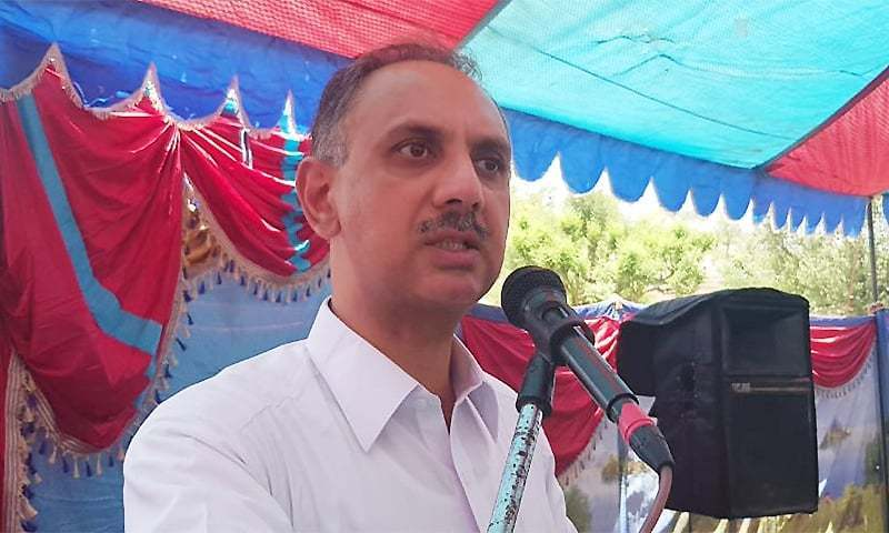 """It is not a free lunch to fertiliser or any other sector,"" said Energy Minister Omar Ayub Khan at a hurriedly called joint news conference with Special Assistant to Prime Minister on Petroleum Nadeem Babar who said the GIDC waiver ordinance was drawn up on the pattern of GIDC (Amendment) Act introduced by the PML-N government for a similar settlement with the CNG sector. —  Photo courtesy Omar Ayub Twitter/File"