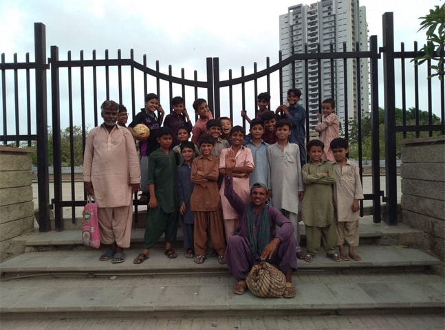 Children locked out of the park in Old Clifton | Arif Hasan