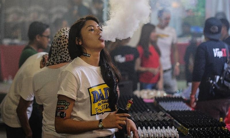 Vaping-related lung disease claims third life in US