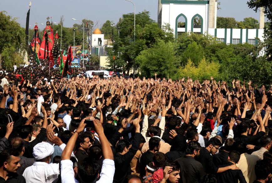Mourners at an Ashura procession in Islamabad | White star