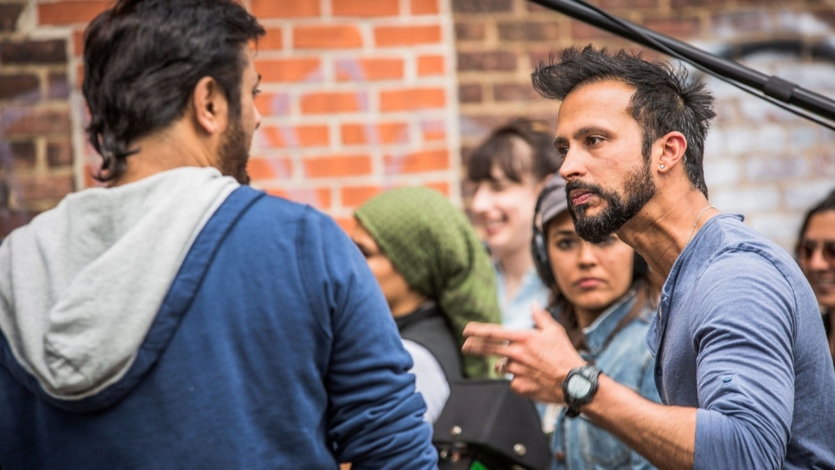 In a BTS shot from Mehreen Jabbar's drama, Jackson Heights