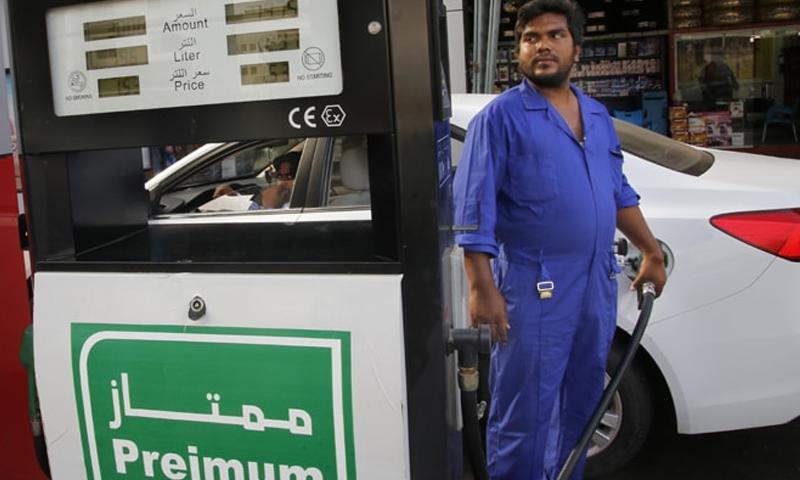 ایس اینڈ پی کے مطابق سعودی عرب کے لیے تیل کی فراہمی مشکل ہوسکتی ہے — فوٹو: اے پی