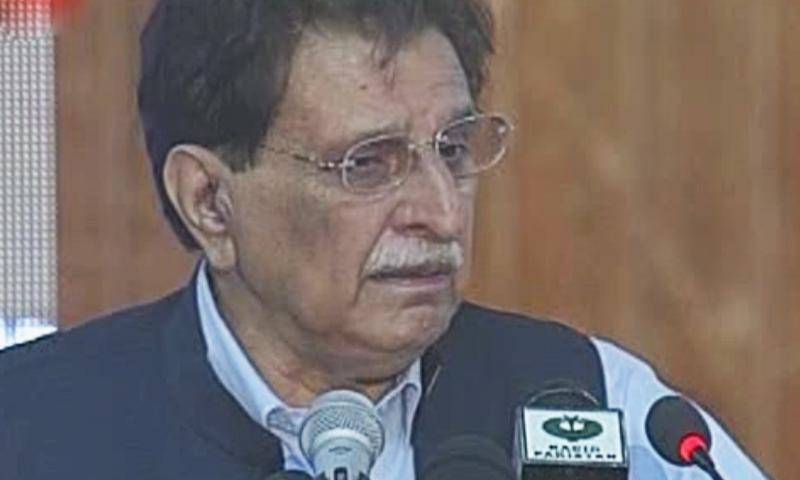 وزیر اعظم آزاد کشمیر خطاب کے دوران آبدیدہ ہوگئے — فوٹو: ڈان نیوز