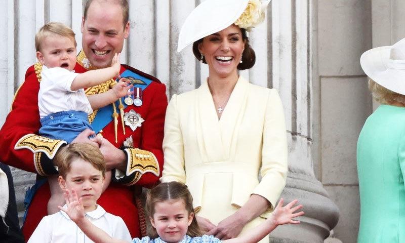 شہزادہ ولیم اور کیٹ مڈلٹن تین بچوں کے والدین ہیں—فوٹو: اسپلاش نیوز
