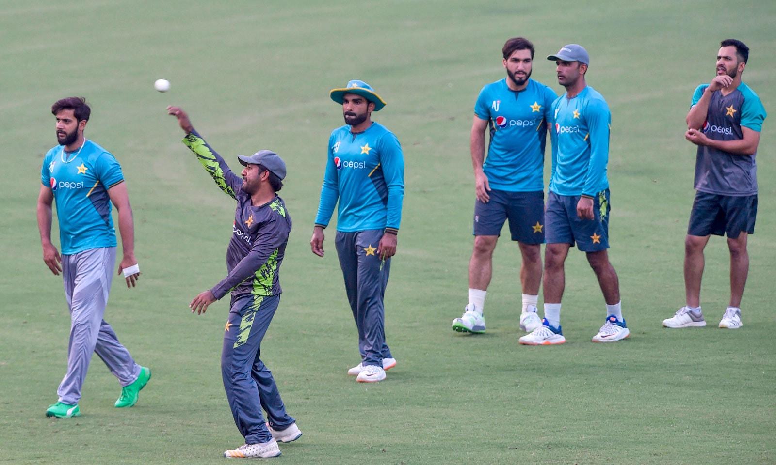 پاکستان اور سری لنکا کے درمیان سیریز کا آغاز 27ستمبر سے ہو گا— فوٹو: اے ایف پی