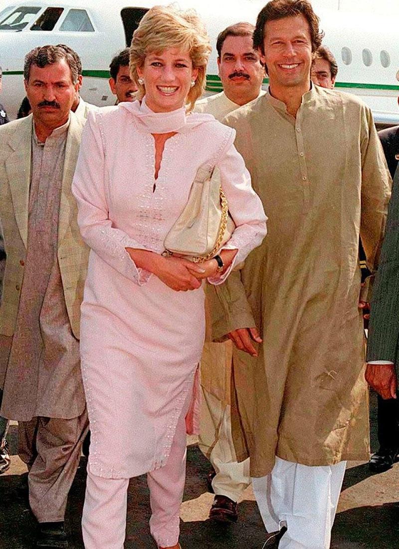 شہزادہ ولیم کی والدہ لیڈی ڈیانا نے بھی پاکستانی دورہ کیا تھا—فوٹو: ٹوئٹر