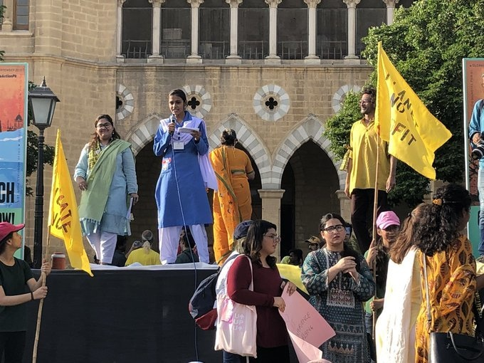 Rimsha Ali, 15, a student of Fatima Jinnah Government School, speaking about the injustice of children being affected, in Karachi. — Climate Action Now! Pakistan's Twitter account