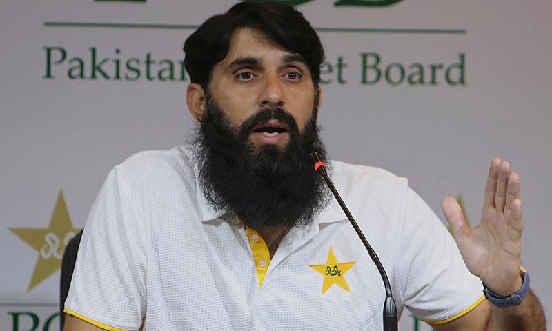 اسکواڈ کا اعلان چیف سلیکٹر نے لاہور میں پریس کانفرنس کرتے ہوئے کیا۔ — فوٹو: اے ایف پی