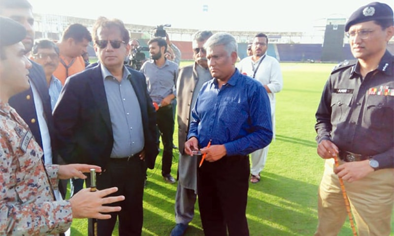 KARACHI: Commissioner Karachi Iftikhar Ali Shalwani (center) speaks to Rangers and Police officials at the National Stadium on Friday about the security arrangement for the upcoming ODI series against Sri Lanka as General Manager NSK Arshad Khan looks on.