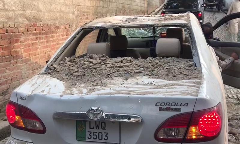 زلزلے کے باعث دیواریں گرنے سے مالی نقصان بھی ہوا—اسکرین شاٹ