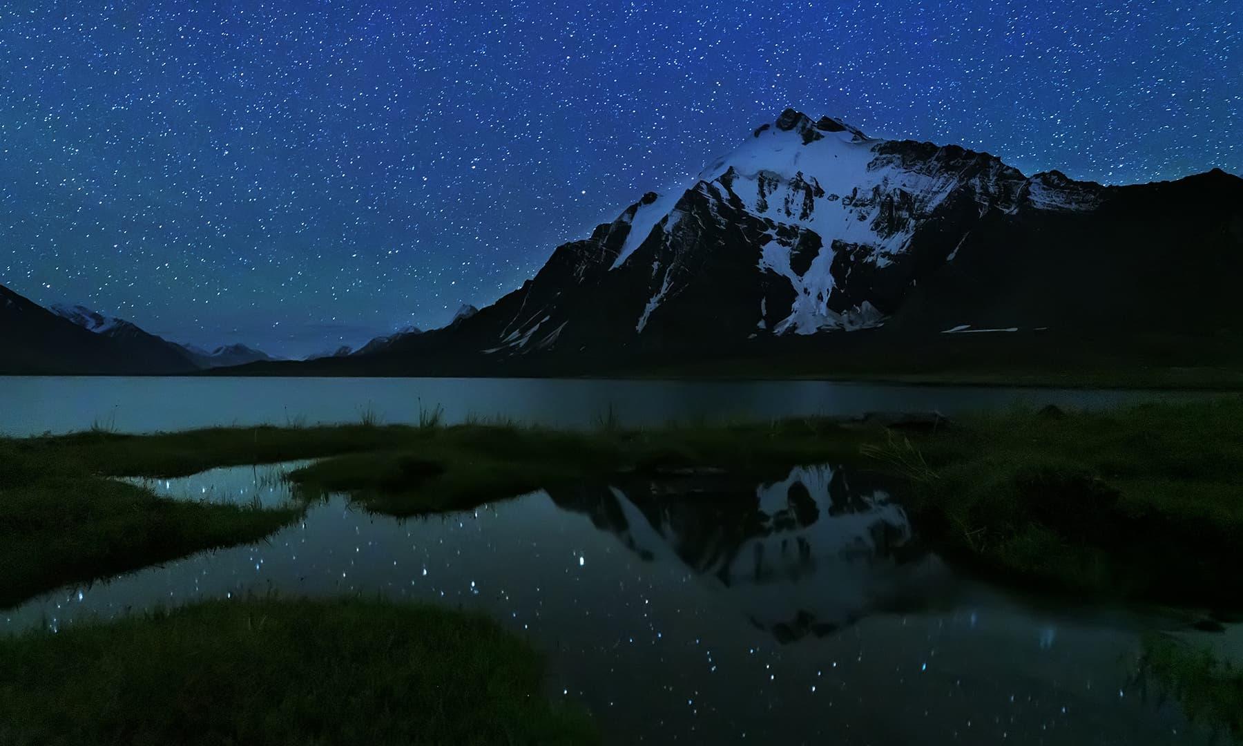 کرومبر جھیل اور تاروں بھری رات—سید مہدی بخاری