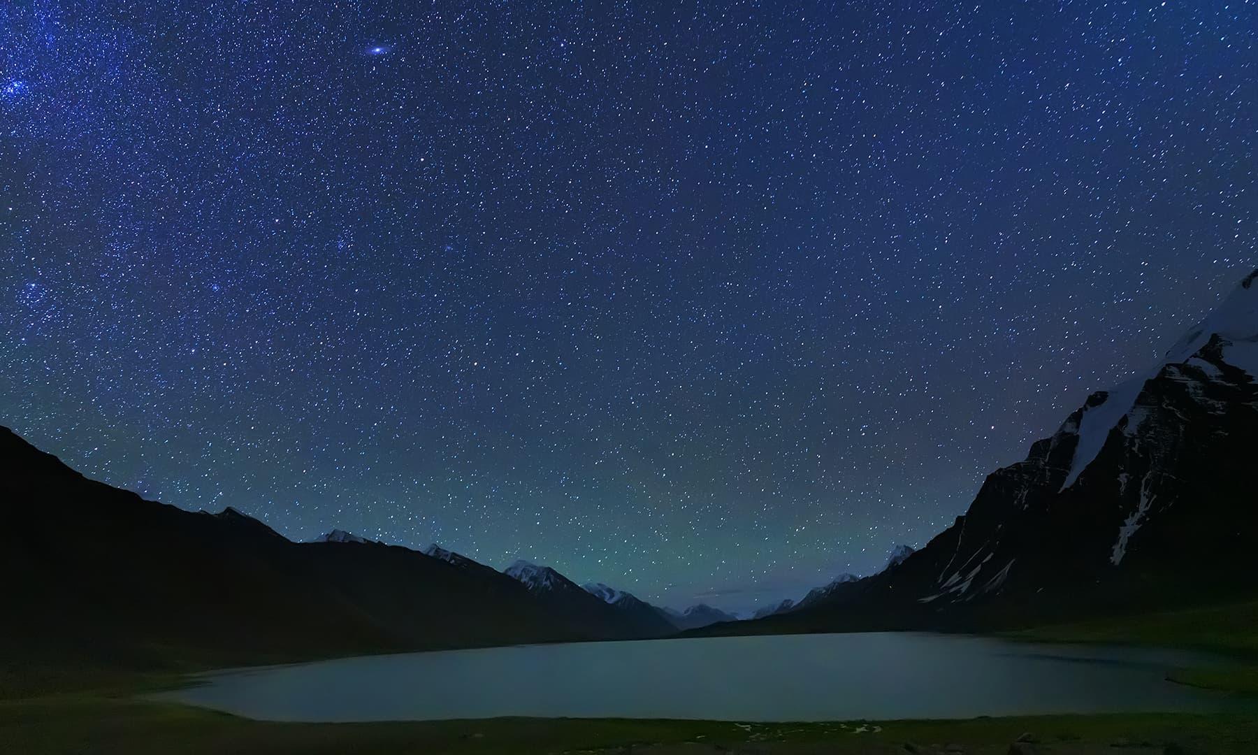 سوتی کرومبر جھیل اور جاگتے تارے