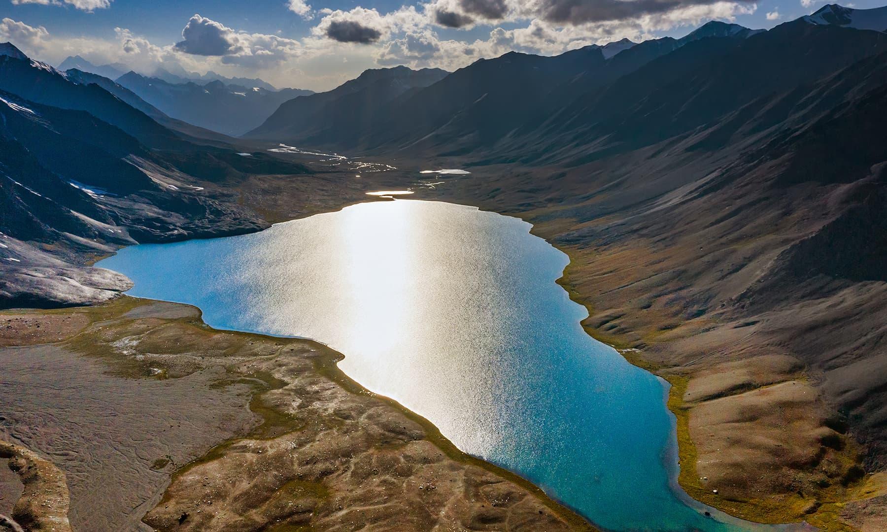 کرومبر جھیل کا فضائی نظارہ—سید مہدی بخاری