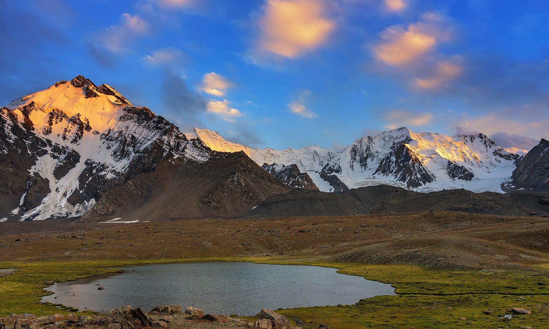 جھیل اور ڈھلٹا سورج—سید مہدی بخاری