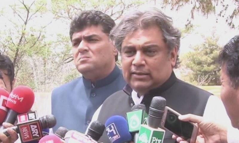 علی زیدی کے مطابق کچرا اٹھانے کی فی ٹن قیمت ساڑھے 6 ڈالر ہے — فائل فوٹو/ ڈان نیوز
