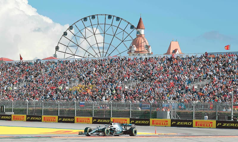 SOCHI: Mercedes' Lewis Hamilton drives his car during the Russian F1 Grand Prix at the Sochi Autodrom on Sunday.—AFP