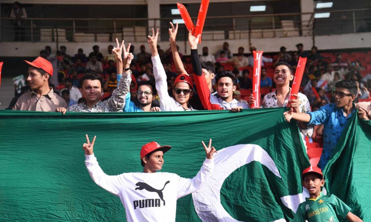 Cricket enthusiasts at National Stadium on Monday to watch Karachi stage its first ODI in a decade. — Courtesy PCB Twitter
