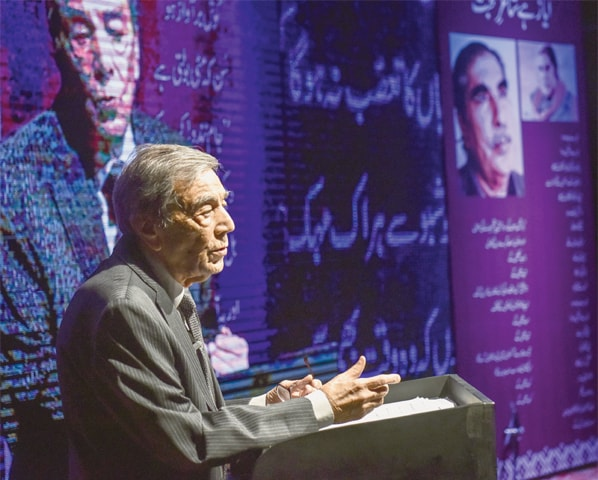 Zia Mohyeddin recites Ayaz's verses at the Arts Council on Wednesday.—White Star