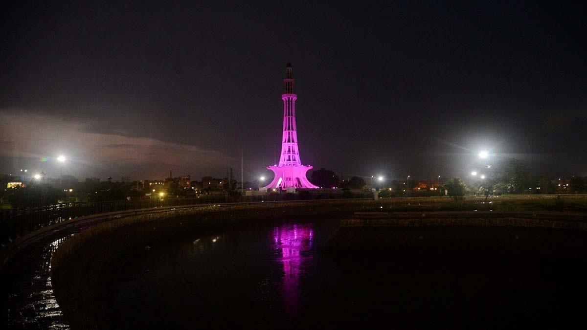 Minar-e-Pakistan lit up bright pink for #Pinktober