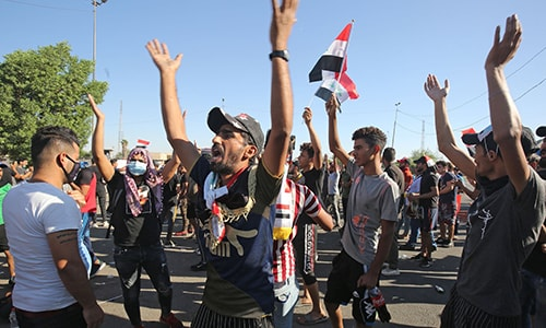 Baghdad clashes intensify as Sistani endorses protests