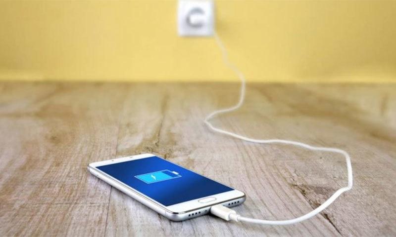 اسمارٹ فون کی بیٹری چند ماہ میں کمزور کیوں ہوجاتی ہے؟