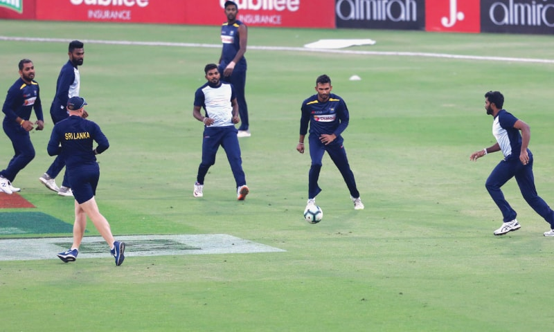 SL eye repeat performance to seal T20 series