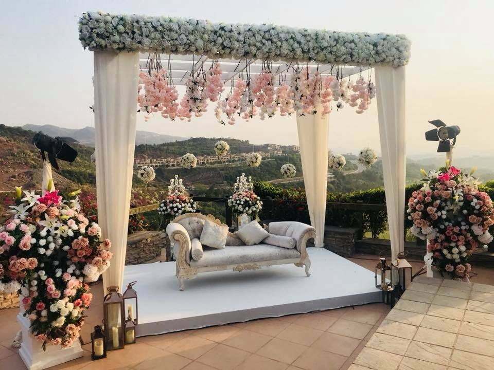 Wedding in the hills at Mariano Restaurant & Spa by Miradore.