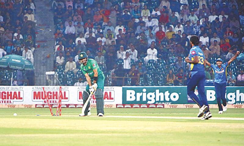 PAKISTAN batsman Babar Azam is cleaned up by Sri Lankan paceman Nuwan Pradeep.—APP