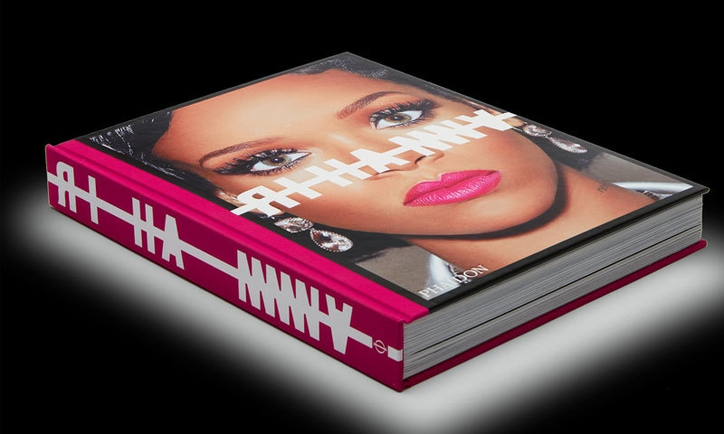 کتاب کا سستا ترین ایڈیشن 131 امریکی ڈالر کا ہے—فوٹو: فیڈون